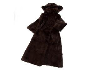 ウィーゼルミンク(WIESELMINK) フード付き ロングコートを宅配買取にて北海道札幌市にお住いの方より高価買取いたしました。