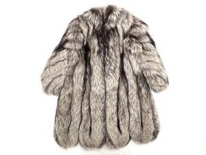 エンバ  シルバーフォックス ロングコート お売りいただきました。 FOXの買取・査定はストックラボ