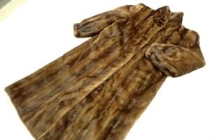 デミバフミンク ロングコート 未使用品 高価買取いたしました! 毛皮 買取はストックラボにお任せ下さい! 東京 新宿